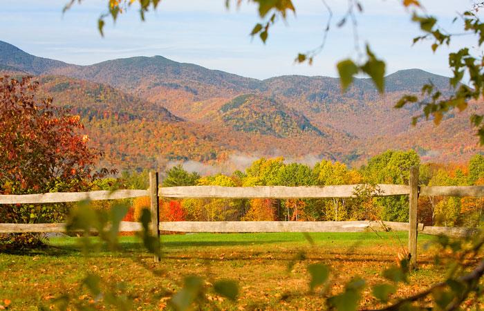 Vermont's fall foliage. Image courtesy Vermont Tourism.