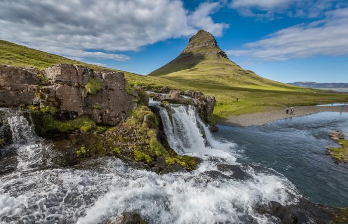 kirkjufellsfoss-sumarid-Iceland