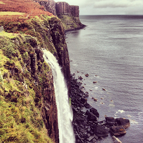 Isle-of-skye-Kilt-Rock-travel-and-style