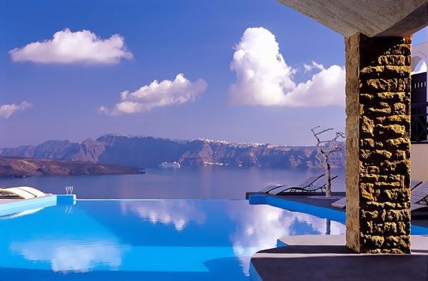 Astarte_Suites_Hotel_Infinity_pool_Santorini