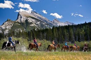 5 Reasons to Visit Alberta This September