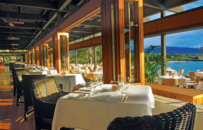 Manta & Pavilion Wine Bar. Image courtesy Mauna Kea Beach Hotel.