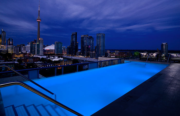 The infinity pool at the Thompson Toronto.