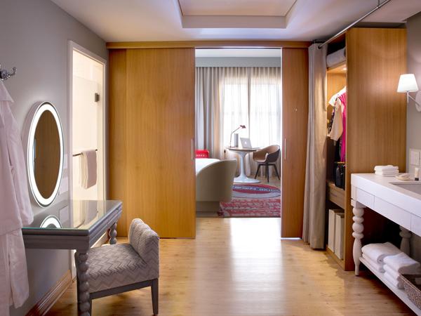 virgin-hotel-chicago-bedroom