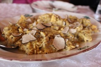 The famous soft scrambled eggs with truffles.