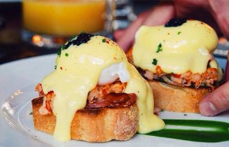 Lobster-Benedict-Le-Richmond-thumb
