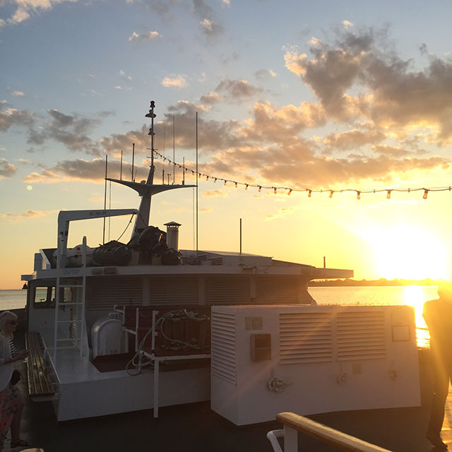 The rooftop of the boat is where live music happens and it's the best spot for Instagram-worthy moments.