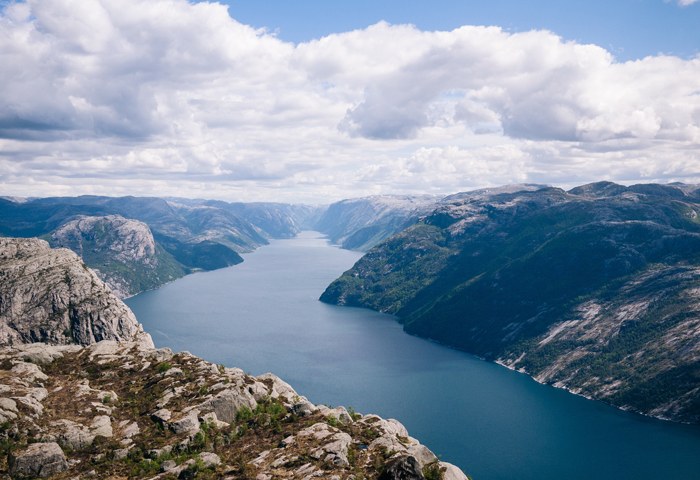 norway-fjord-solo-travel